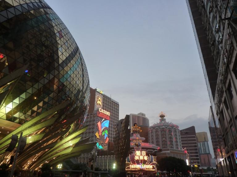 Cela est plutôt Macao, incroyable cité casino(qui a dépassé Las Vegas)  qu'Atar de Mauritania