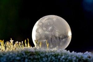 des-sumbliles-bulles-de-savon-gelees-par-le-froid30