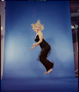 MEL_HALSMAN_Marilyn Monroe jump 1959 (c) 2013 Philippe Halsman Archive Magnum Photos