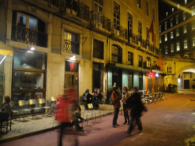 Bar-da-Velha-Senhora-Lisbon-Cais-do-Sodre-burlesque-performances-street