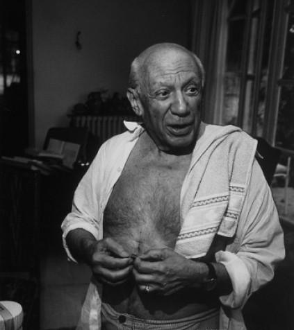 gjon-mili-informal-portrait-of-artist-pablo-picasso-at-notre-dame-de-vie-his-home-in-mougins.jpg