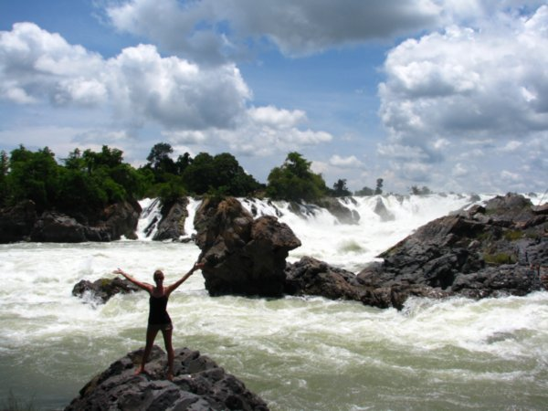 Khone-Phapheng-Falls.jpg